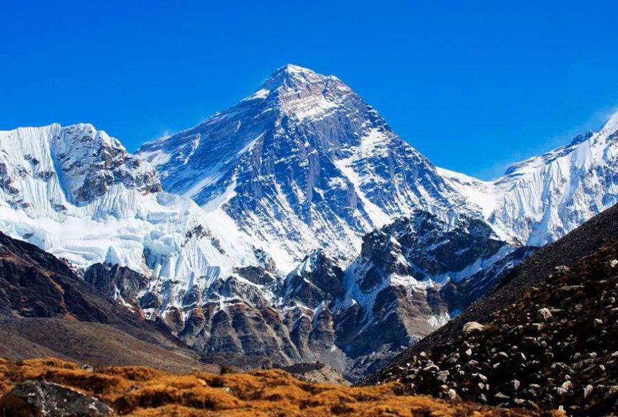 Сколько стоит подняться на Эверест