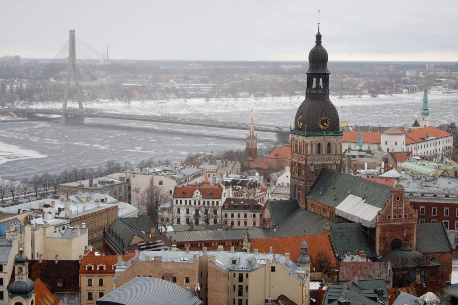 Вид на башню рижского Домского собора
