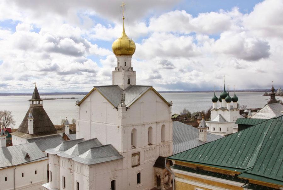 Вид-из-Кремля-в-Ростове