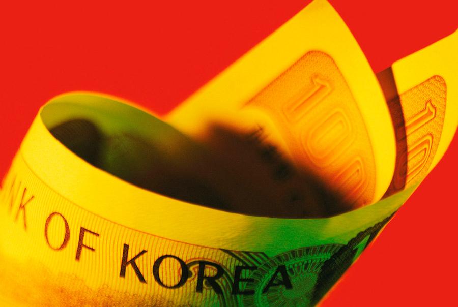 Какую валюту брать в Корею