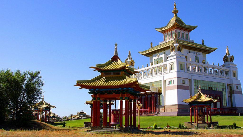 Храм Будды в Элисте
