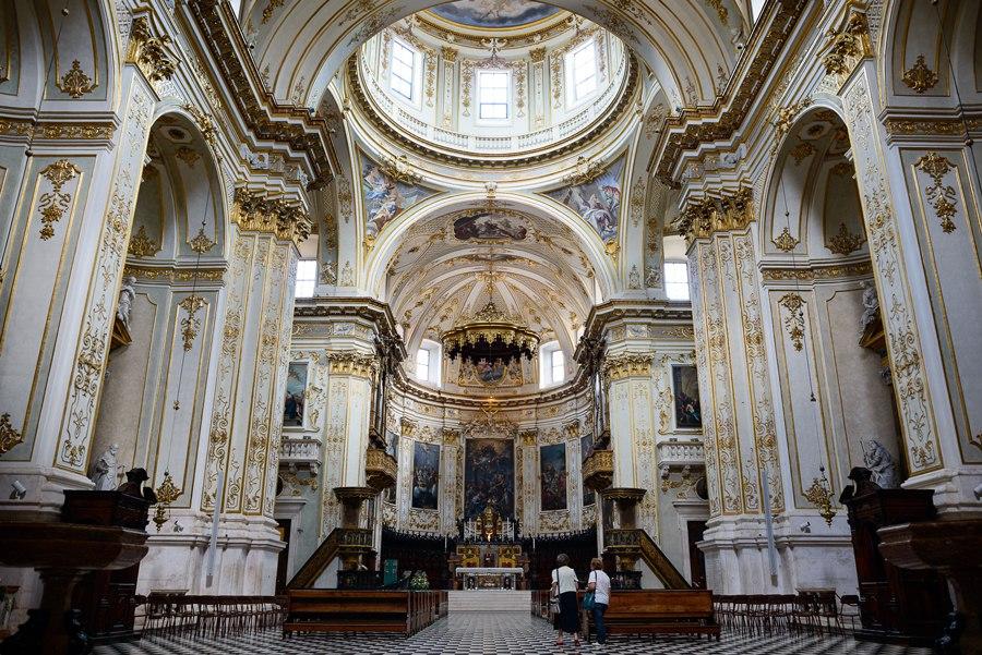 Собор итальянском городе Бергамо