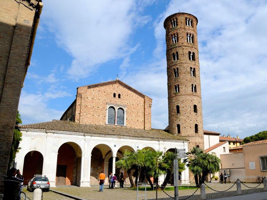 Башня в итальянской Равенне