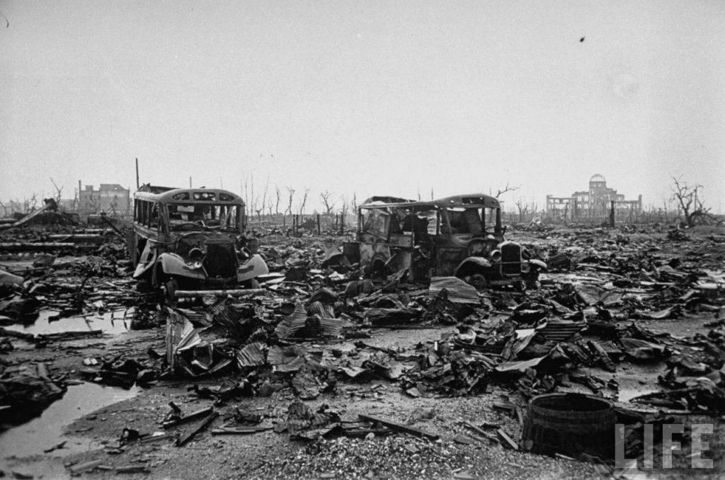 Уничтоженные взрывом машины