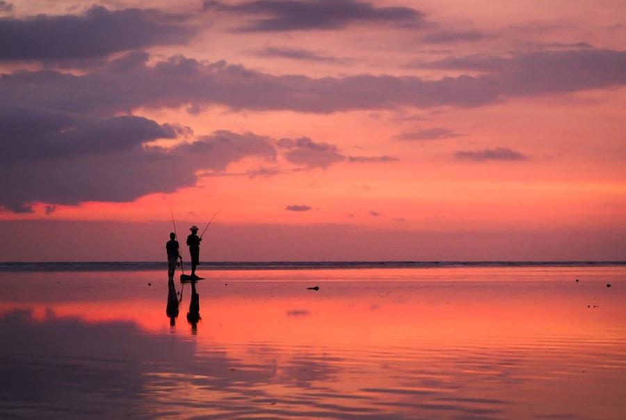 Рыбаки на закате