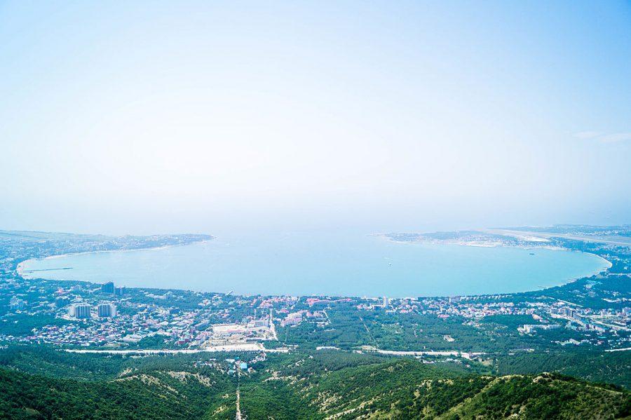 Вид на Геленджик с высоты
