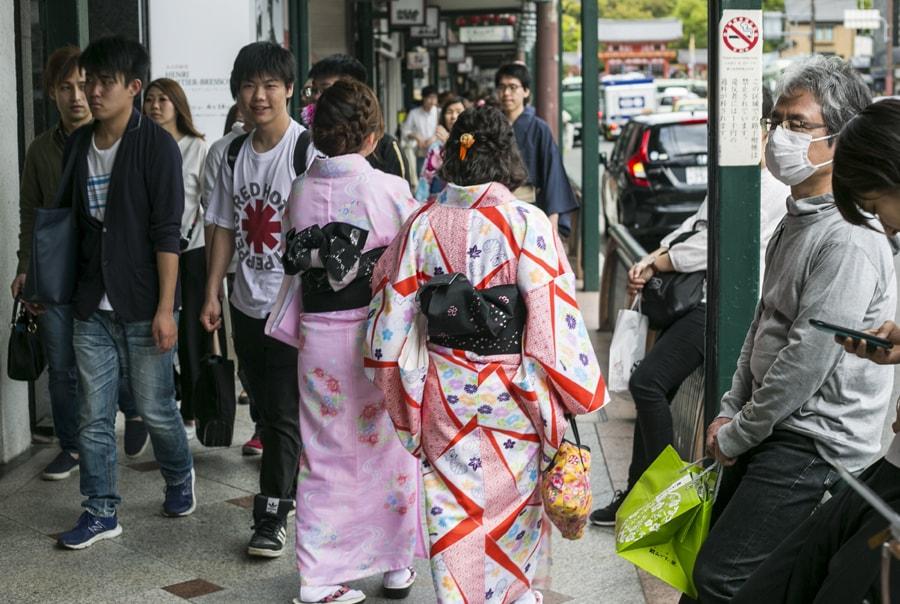 Японские школьнцы оттраханы парнями в маске фото 684-92