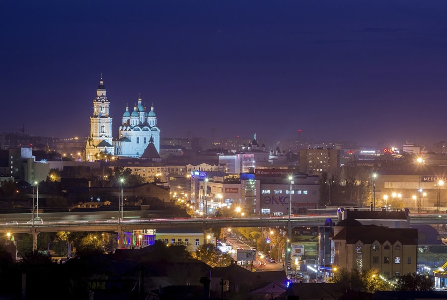 Фото Астрахани ночью