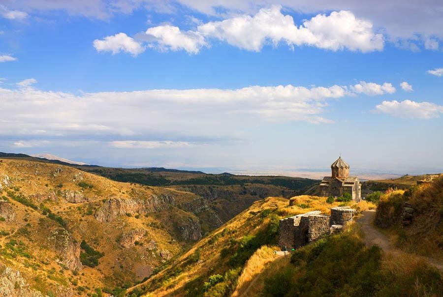 Красивые достопримечательности Армении
