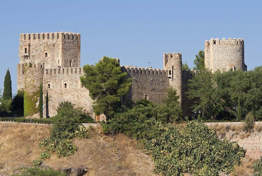 Замок Сан-Сервандо фото