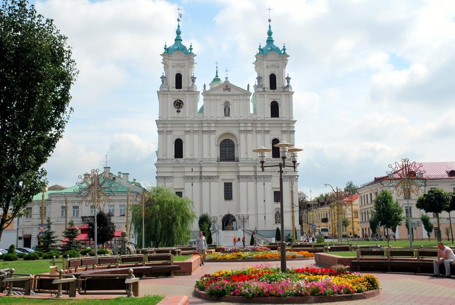 Кафедральный костел Святого Франциска Ксаверия фото
