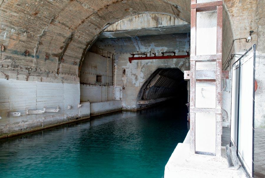 Музей подводных лодок в Балаклавской бухте фото