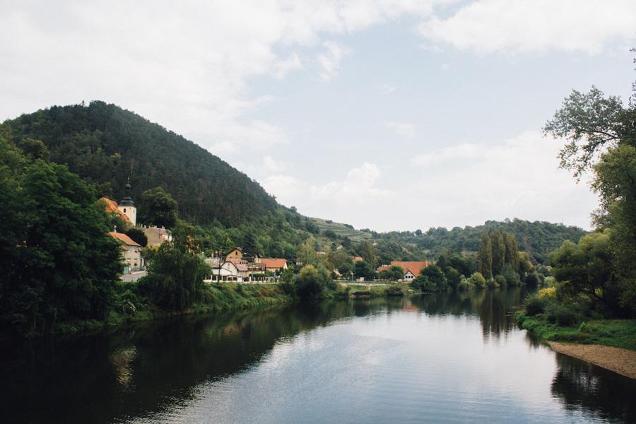 Вид на реку и холмы
