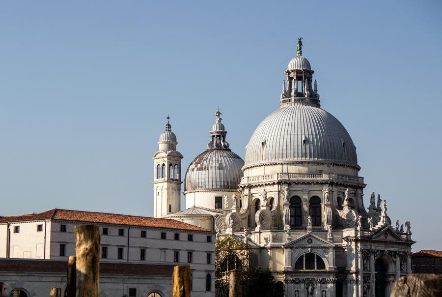 Базилика Санта-Мария-Делла-Салюте фото