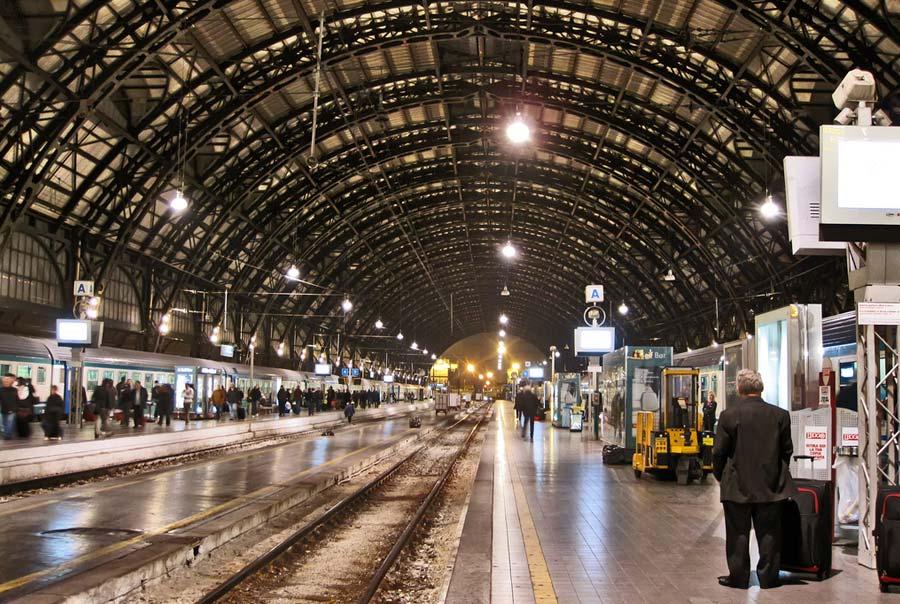 Центральный вокзал Милана фото