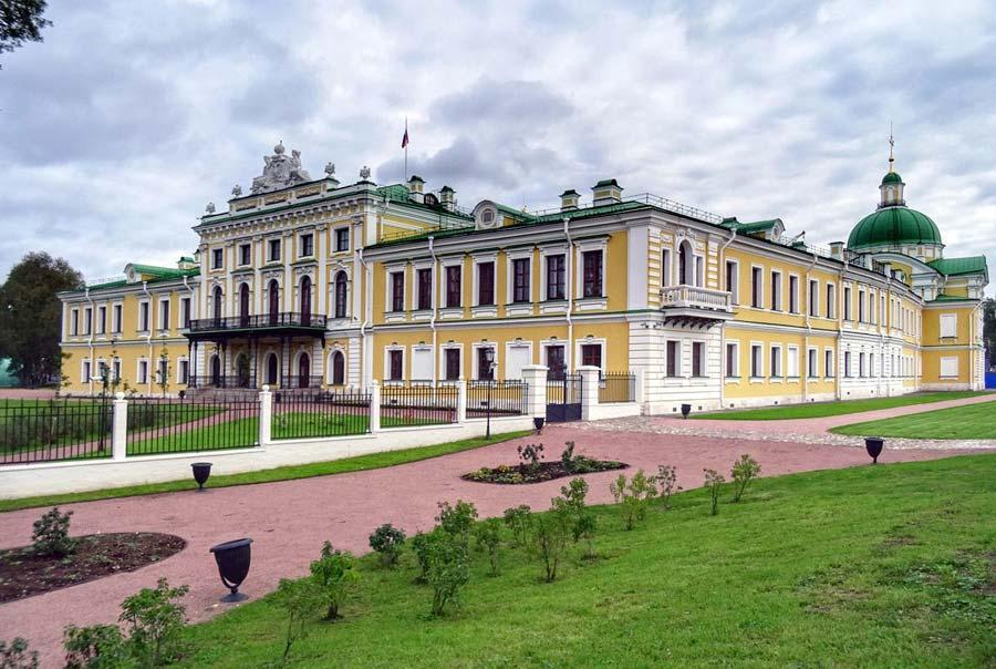 Императорский путевой дворец фото