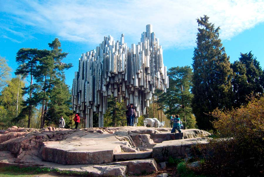 Памятник Яну Сибелиусу фото
