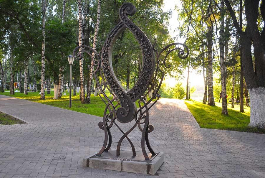 Памятник букве О фото