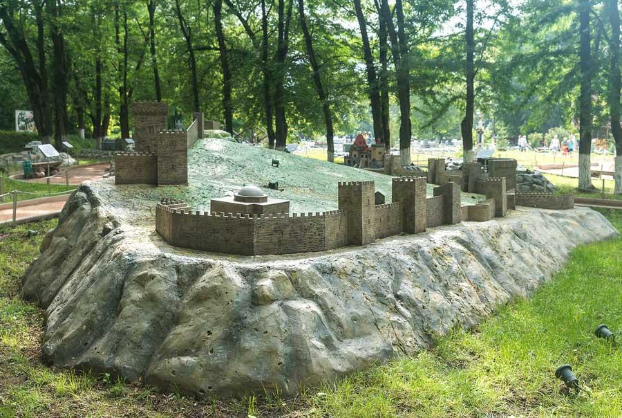 Парк миниатюр в Бахчисарае фото