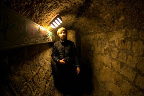 В глубине парижских катакомб