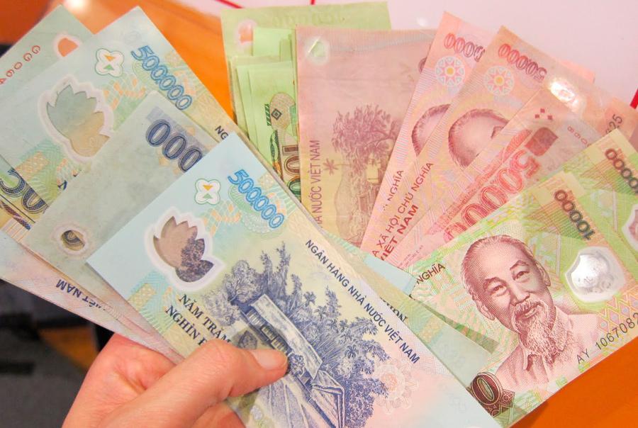 В какой валюте брать деньги во Вьетнам