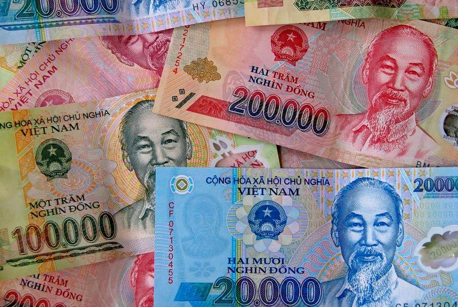 С какой валютой ехать во Вьетнам