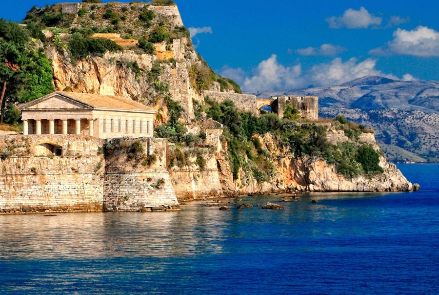 Лучшие пляжи и курорты Корфу