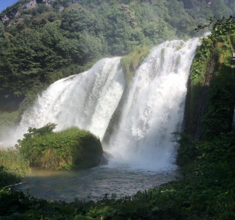 Еда в Италии и рукотворный водопад